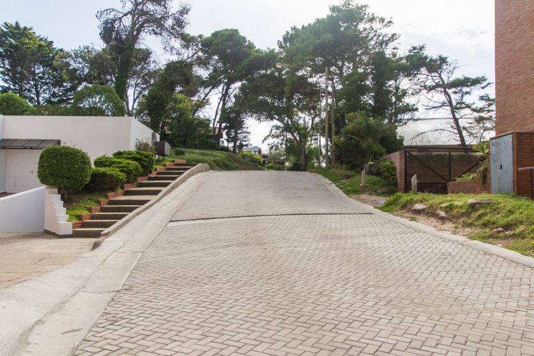 Pavimento articulado para calles de gran pendiente